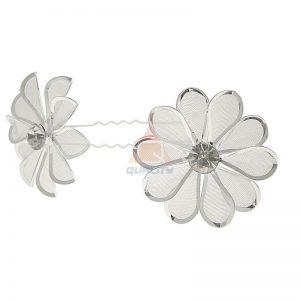 Szpilka srebrna lilia z cyrkonią